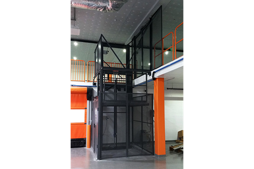 PFlow Industries D-Series Hydraulic Vertical Lifts