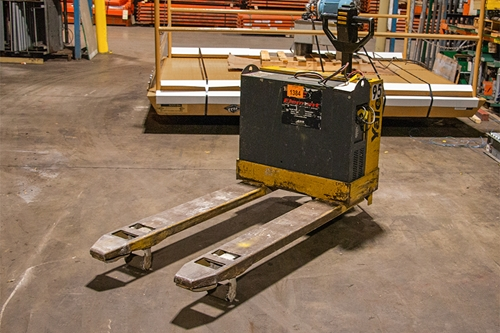 Used Yale MPB040 Electric Pallet Jacks