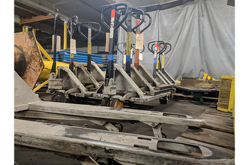 Used Crown PTH-50 Manual Pallet Jacks