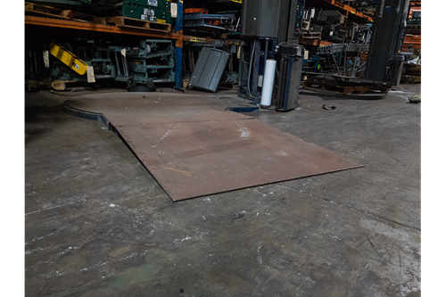 This Lantech Q-300 Stretch Wrapper Includes a ramp for easy access!